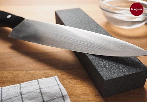 afilar-cuchillo-jamonero-piedra-de-agua