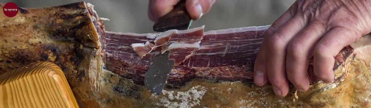 Como cortar una paletilla de jamon en casa